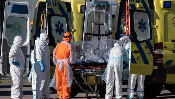 Chile: Todos los trabajadores de la salud tendrán seguro de vida gratuito. (AFP / Martin BERNETTI)