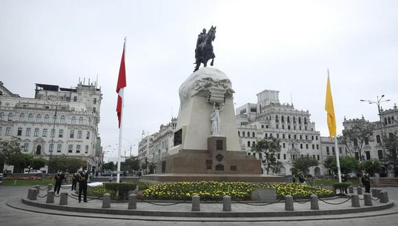 La Plaza San Martín es una obra emblemática de Leguía. En 1921 celebró el Centenario de la Independencia inaugurando obras en Lima, como esta. (Britanie Arroyo /GEC)