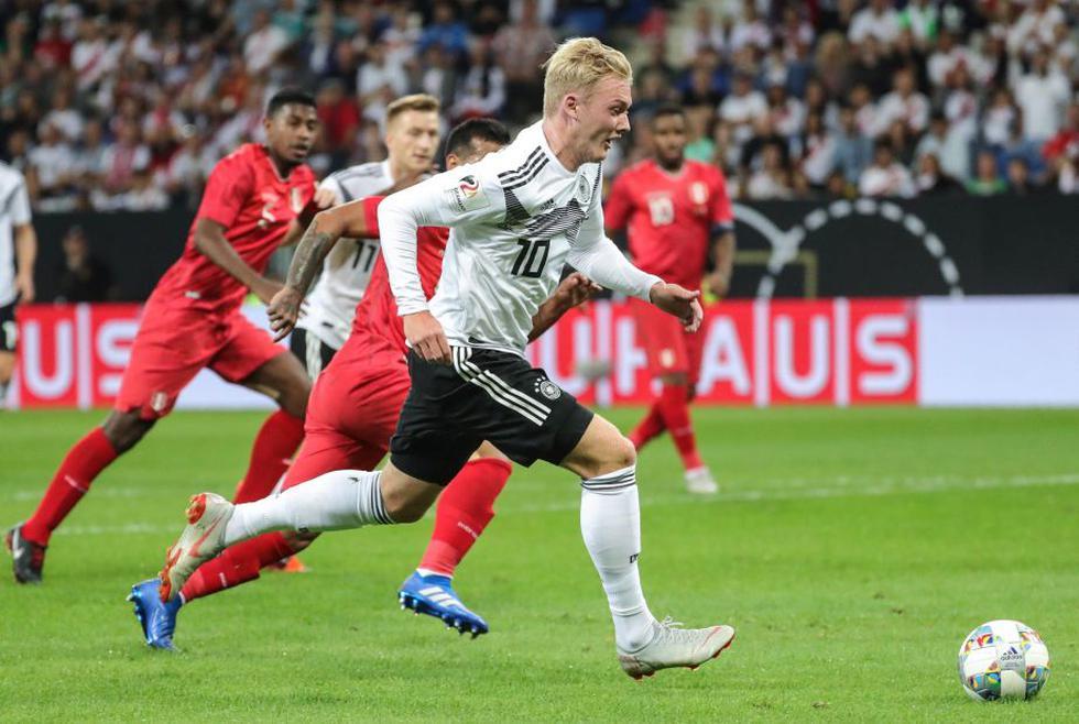 Perú vs. Alemania en el estadio WIRSOL Rhein-Neckar-Arena. (EFE)