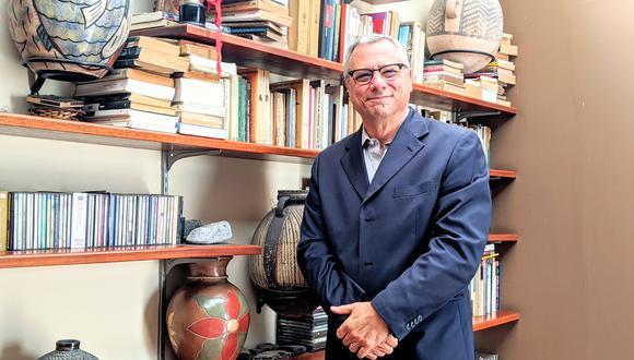 Marco Bassino es el director del colegio Markham.