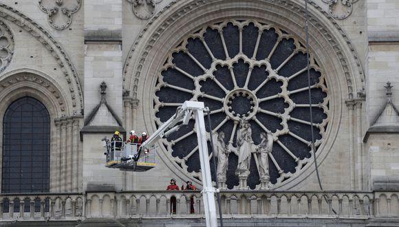 El fuego tardó más de 15 horas en ser extinguido. (Foto: AFP)