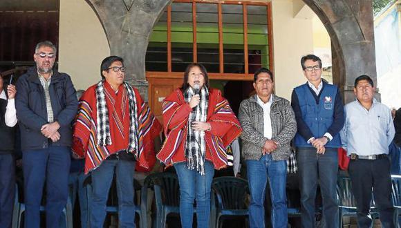 La ministra Bustamante aterrizó los compromisos del Ejecutivo para terminar el conflicto. (Midis)