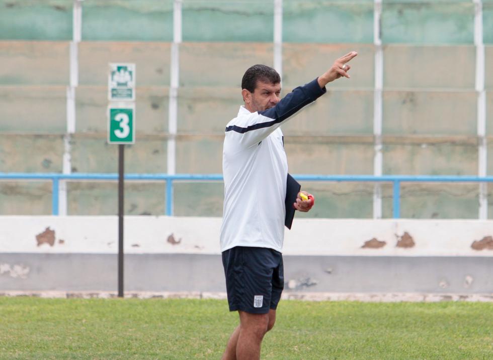 Tras pasar por los banquillos de Coopsol, Alianza Lima, Alianza Atlético y Club Sport Cartaginés de Costa Rica, Gustavo Roverano asume su cuarta experiencia como técnico. (ClubCiencianoOficial)