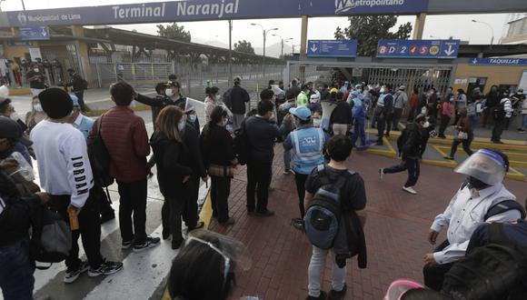 Estación Naranjal del Metropolitano durante suspensión del servicio por parte de tres concesionarios. (Foto: Anthony Niño de Guzmán / @photo.gec)
