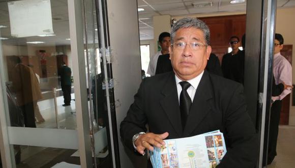 Miguel Facundo Chinguel: Exfuncionario es procesado. (Perú21)