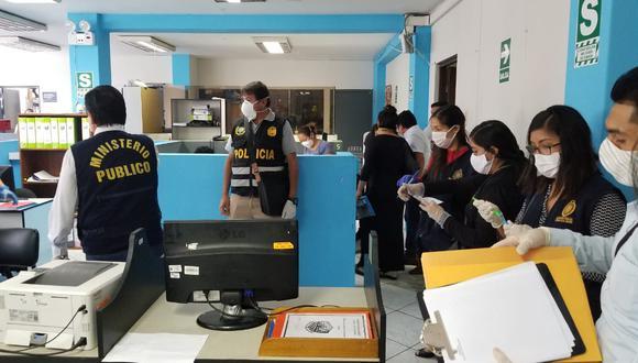 Diviac y el Ministerio Público intervienen las oficinas de la Municipalidad de Carmen de la Legua Reynoso.