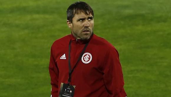 Eduardo Coudet estuvo al mando de Internacional de Porto Alegre desde que empezó el 2020. (Foto: AFP)