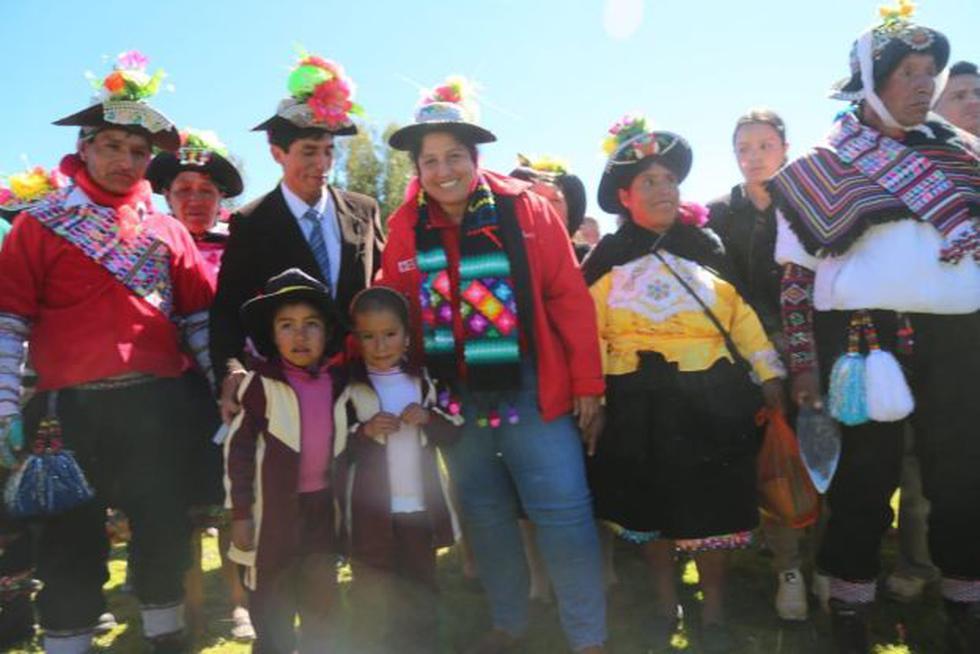 Ministra Fabiola Muñoz indicó que trabajará para el desarrollo de las más de 711 familias dedicadas en la producción de este tubérculo en el país. (Foto: Minagri)