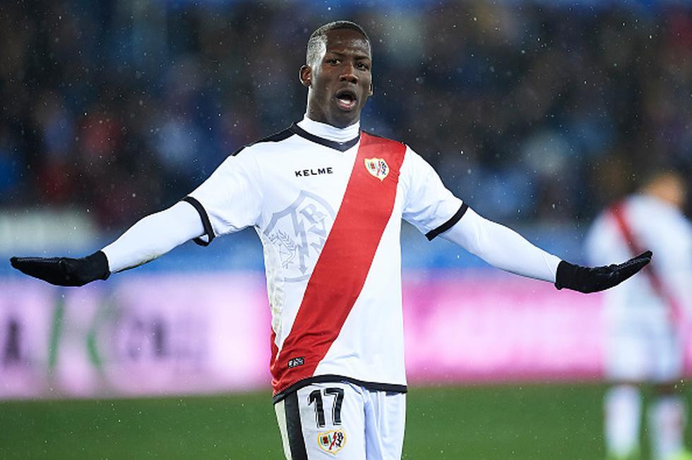 Con asistencia de Luis Advíncula, Rayo Vallecano ganó 1-0 al Alavés por LaLiga Santander. (Getty)