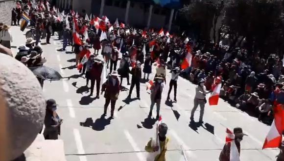 Cusco: pobladores de Espinar hicieron desfile por Fiestas Patrias sin temor al coronavirus (Foto: captura de pantalla   Facebook)