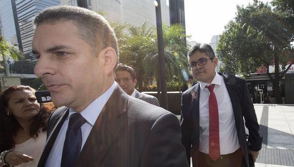 El fiscal José Domingo Pérez, junto a Rafael Vela Barba y los procuradores ad hoc participarán en la firma del acuerdo de colaboración con Odebrecht. (Foto: EFE / Video: Canal N)