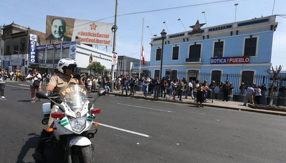 El Apra solo logró presentar la solicitud de inscripción de la plancha presidencial y la lista de candidatos al Parlamento por Arequipa, Junín y para representantes de los peruanos que residen en el extranjero. (Foto: Violeta Ayasta / GEC)