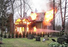 Un niño de 7 años entra a su casa en llamas para poner a salvo a su hermana de 22 meses