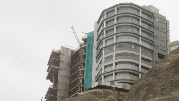 SIGUE LA DISPUTA. Aseguran que condominio podría colapsar en caso de fuerte sismo. (Mario Zapata)