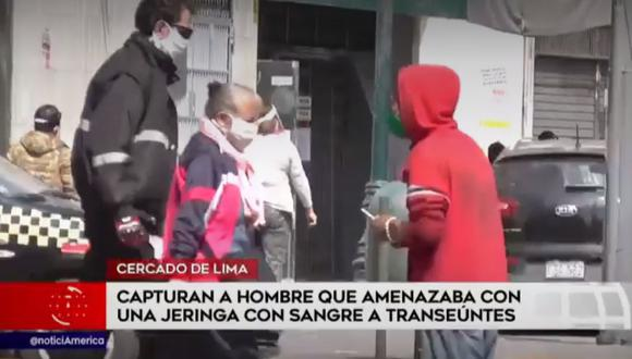 Los miembros de Seguridad ciudadana de la Municipalidad de Lima esperaron la llegada de la Policía para proceder a intervenir al sujeto. (América Noticias)