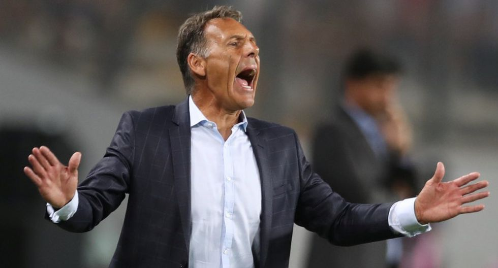 Miguel Ángel Russo acumula cuatro derrotas consecutivas con Alianza Lima. (Foto: Reuters)