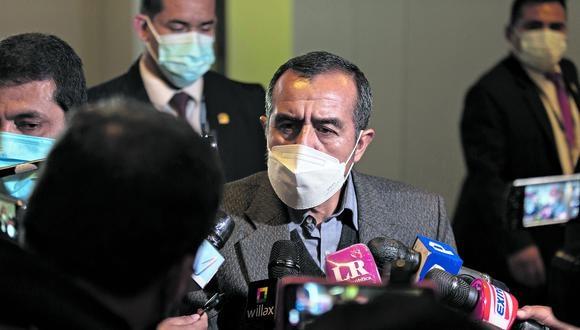 Se aferra. Pese a los cuestionamientos, el ministro Iber Maraví se ha negado a renunciar a su cargo. (Foto: Renzo Salazar / GEC)