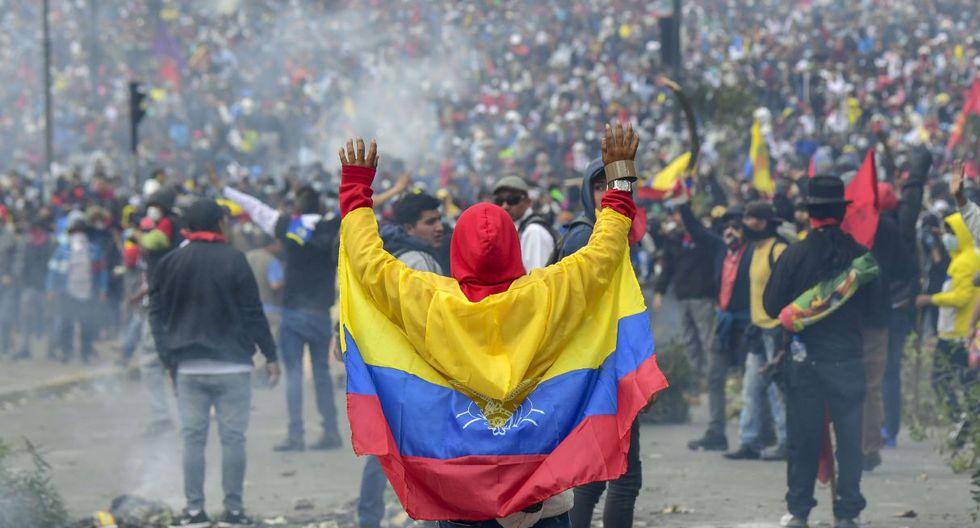 Lenín Moreno sigue el minuto a minuto de la crisis desde Guayaquil. (Foto: AFP)