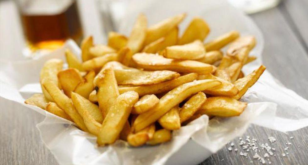 ¿Que tan riesgoso es comer papas fritas? (iStock)