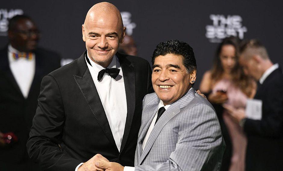Diego Maradona indicó que Gianni Infantino no ha cumplido su promesa de cambiar la FIFA. (Foto: EFE)