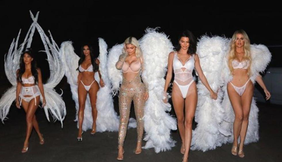 Las modelos del clan Kardashian sorprendieron al disfrazarse de sexys ángeles. (Foto: @kimkardashian)