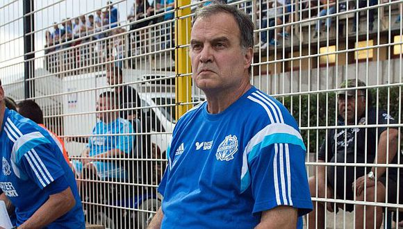 Marcelo Bielsa le exige a sus jugadores. (AFP)