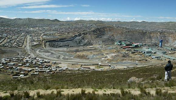 La población se opone al 'éxodo' masivo por el avance de la minería. (USI)