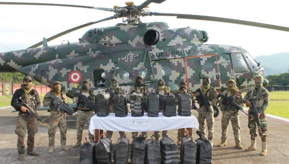 La droga se encontraba escondida en dos 'caletas' ubicadas en las proximidades de dos pistas de aterrizaje no autorizadas del sector de Pichas, distrito de Kumpirushiato, en la provincia de la Convención. (Foto: Comando Conjunto de las Fuerzas Armadas/Twitter)
