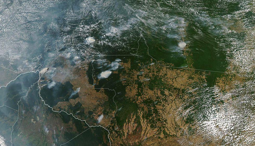 Imagen tomada por la NASA sobre los incendio que afectan gran parte de la amazonía brasileña. (Foto: AFP)