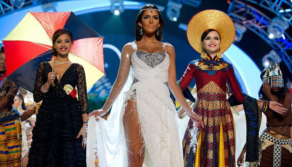 Miss Bélgica, Miss Finlandia y Miss Corea. (Reuters)