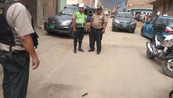 Defensa Legal de la PNP brinda asistencia a suboficial de tercera, que esta tarde abatió a un delincuente cuando pretendió asaltarlo en Collique, Comas.