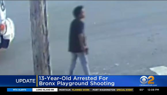 Niño de 13 años es arrestado por disparar a otro en un parque infantil. (Foto: captura video CBS New York)