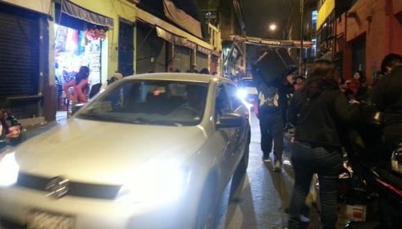 Mesa Redonda es un caos por la falta de fiscalización en las noches. (Carlos Lara Porras)