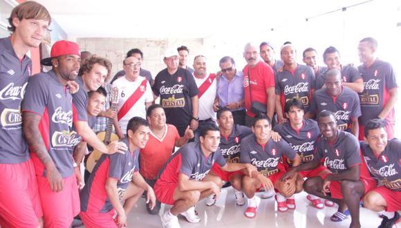 CONTIGO PERÚ. Amor por la camiseta se desbordó en Videna. (Difusión)