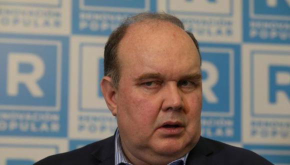 """""""Los principales políticos de este país han sido puestos en evidencia con Odebrecht, pero al ritmo de Odebrecht"""", señaló López Aliaga. (Foto: GEC)"""