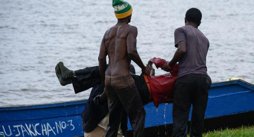 Entre los rescatados figuran personalidades de renombre local como la cantante Iryn Namubiru y el príncipe David Wasajja. (Foto: AFP)