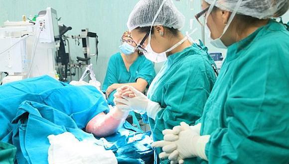 Galenos del hospital en Villa El Salvador operaron a paciente de 44 años. (Ministerio de Salud)