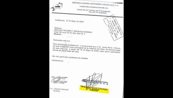 """PRUEBA. Documento firmado por el """"licenciado"""" Wilder Ruiz."""