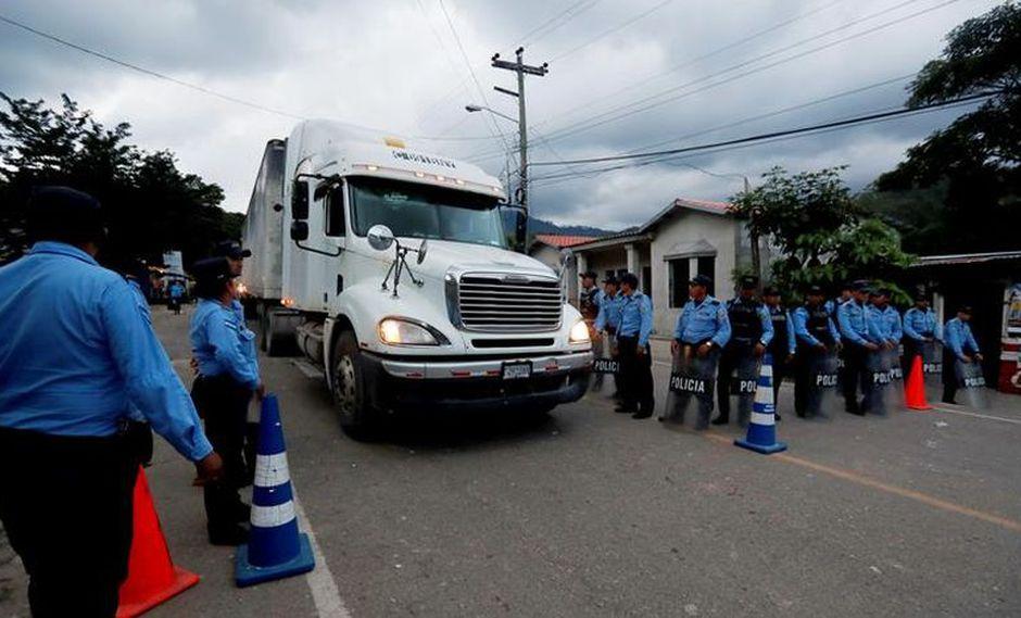 El punto de control migratorio de Agua Caliente que se mantenía cerrado temporalmente se reapertura para registro de transportistas. | Foto: EFE