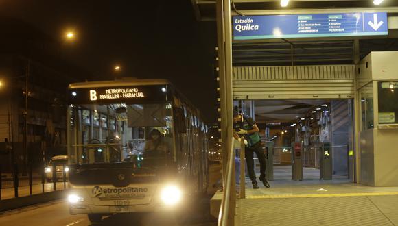 Estaciones del metropolitano en el estado de emergencia. (Foto: César Grados)