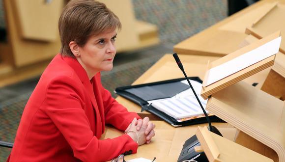 """Nicola Sturgeon se disculpó y admitió que fue un """"error estúpido"""". (Foto: RUSSELL CHEYNE / POOL / AFP)"""