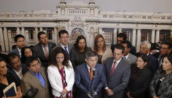 Congresistas de oposición recordaron 'vladivideo' que marcó la caída del régimen de Alberto Fujimori.
