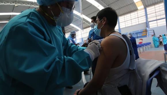 Arequipa: investigan presuntas irregularidades durante aplicación de vacunas contra el COVID-19 (Foto referencial: GEC)