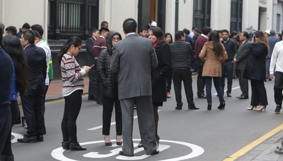 Las autoridades recomiendan seguir las pautas dictadas durante los simulacros de sismo. (GEC)