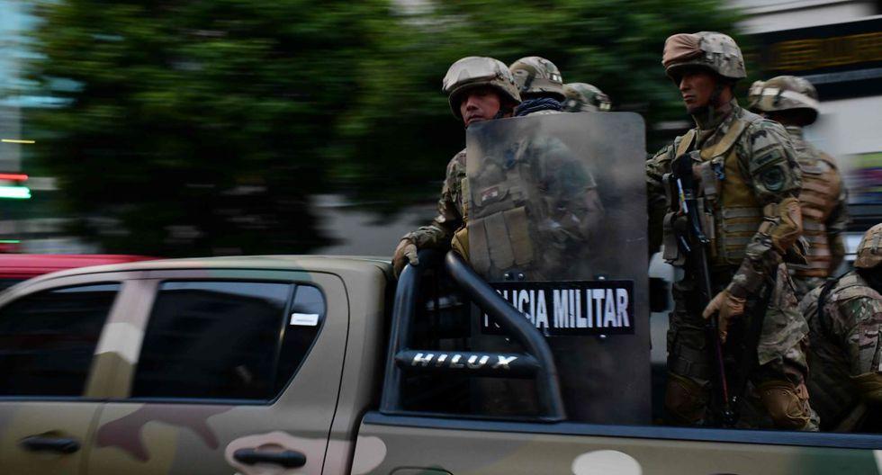La policía militar patrulla las calles luego de enfrentamientos en Bolivia. (Foto: AFP)