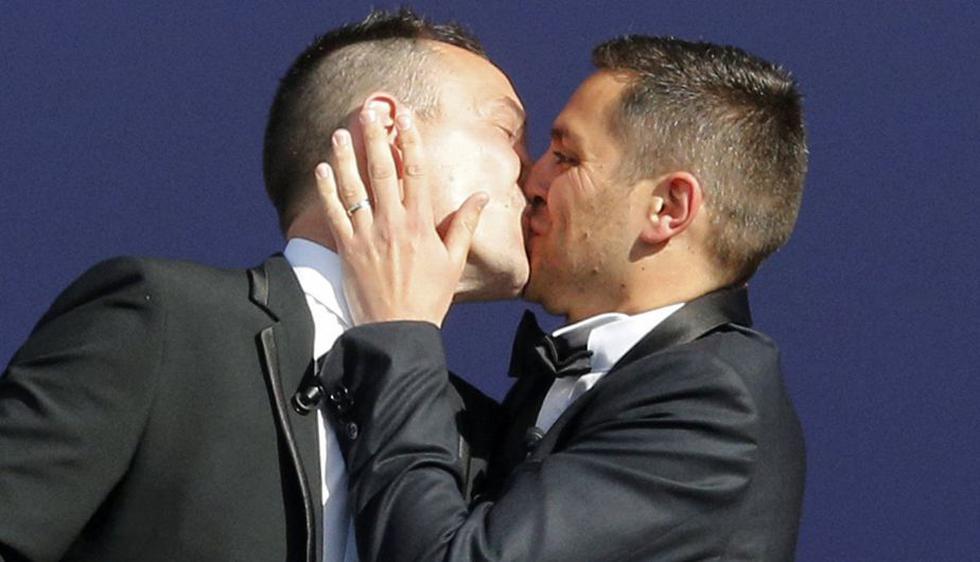 Vincent Autin (40) y Bruno Boileau (30) se casaron en Montpellier, al sur de Francia. (Reuters)