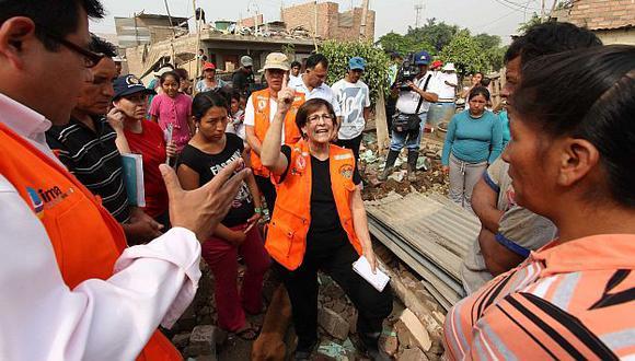 La alcaldesa Susana Villarán visitó la zona dañada. (USI)