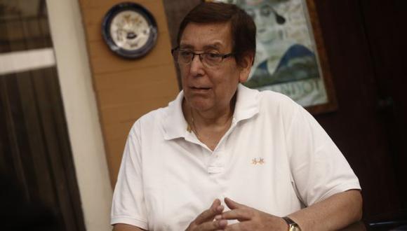"""Enrique Bernales: """"Nada impide que PPK declare"""" (Perú21)"""