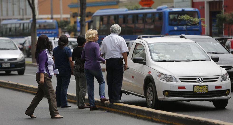 """Previo al debate, el ministro de Transportes y Comunicaciones, Carlos Lozada, dijo que los """"taxis colectivos"""" están en contra de la reforma del transporte. (Foto: GEC)"""