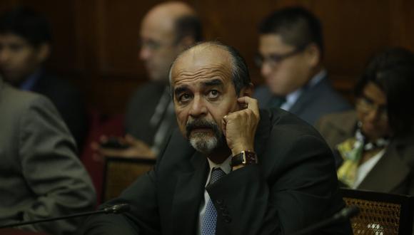 Mauricio Mulder (Luis Centurión)